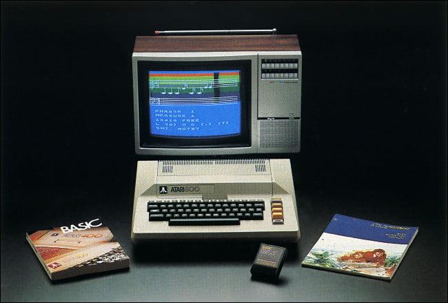 Una computadora Atari 800.