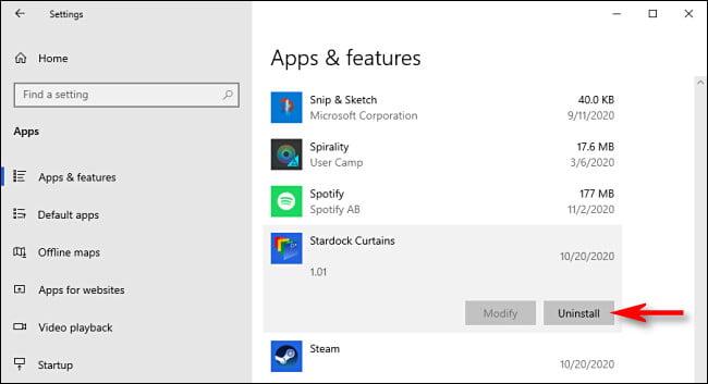 """En """"Aplicaciones y funciones"""", seleccione la aplicación que desea desinstalar y luego haga clic en """"Desinstalar""""."""