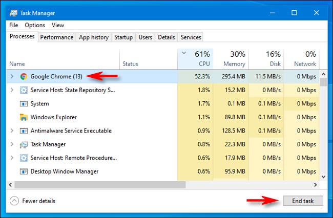 """Seleccione el proceso en el Administrador de tareas y haga clic en """"Finalizar tarea"""" en Windows 10."""